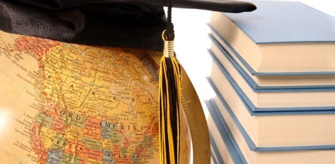 estudiar extranjero 654x321 - ترجمه رسمی مدارک در دارالترجمه رسمی ولنجک