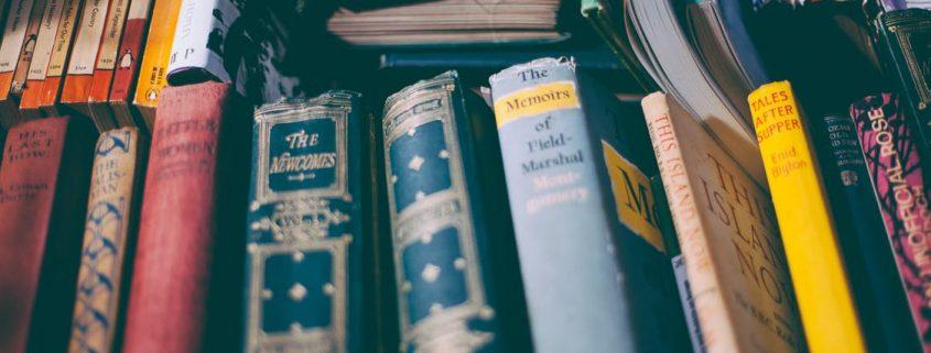 books 845x321 - آموزش و نکته های ترجمه یک کتاب
